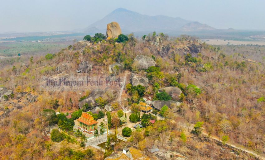 Preah Theat: Two Temples, One Unforgettable Experience