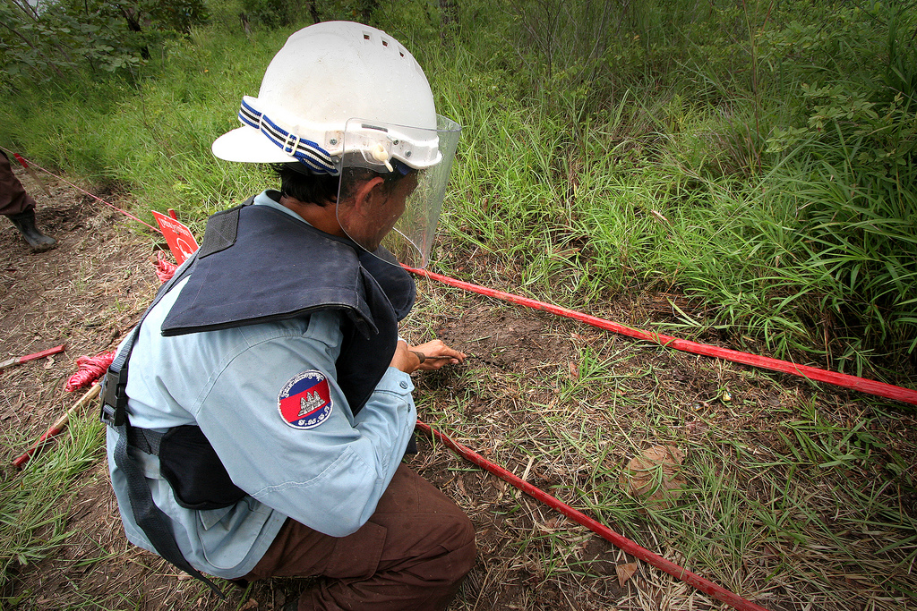 Australian government provides $10 million for Cambodia's landmine clearing