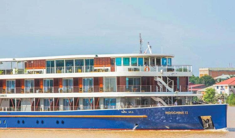 Three Cambodian river cruise vessels denied docking in Vietnam's water