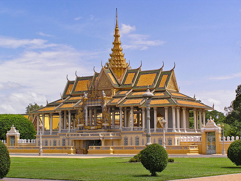 Cambodia's Royal Palace Tour Suspended to Fight Covid-19