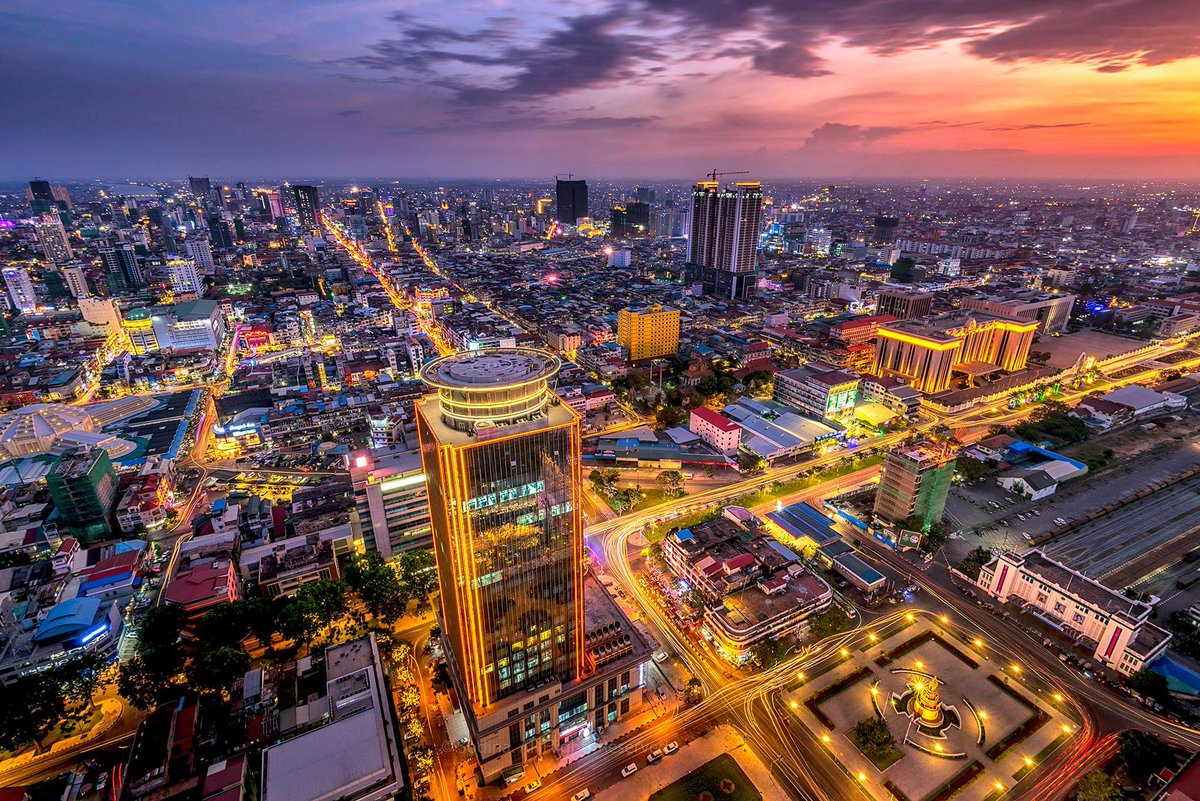 Phnom Penh @ Night