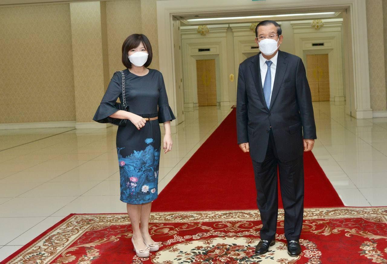 Singaporean Ambassador to Cambodia Pays Courtesy Call on PM Hun Sen