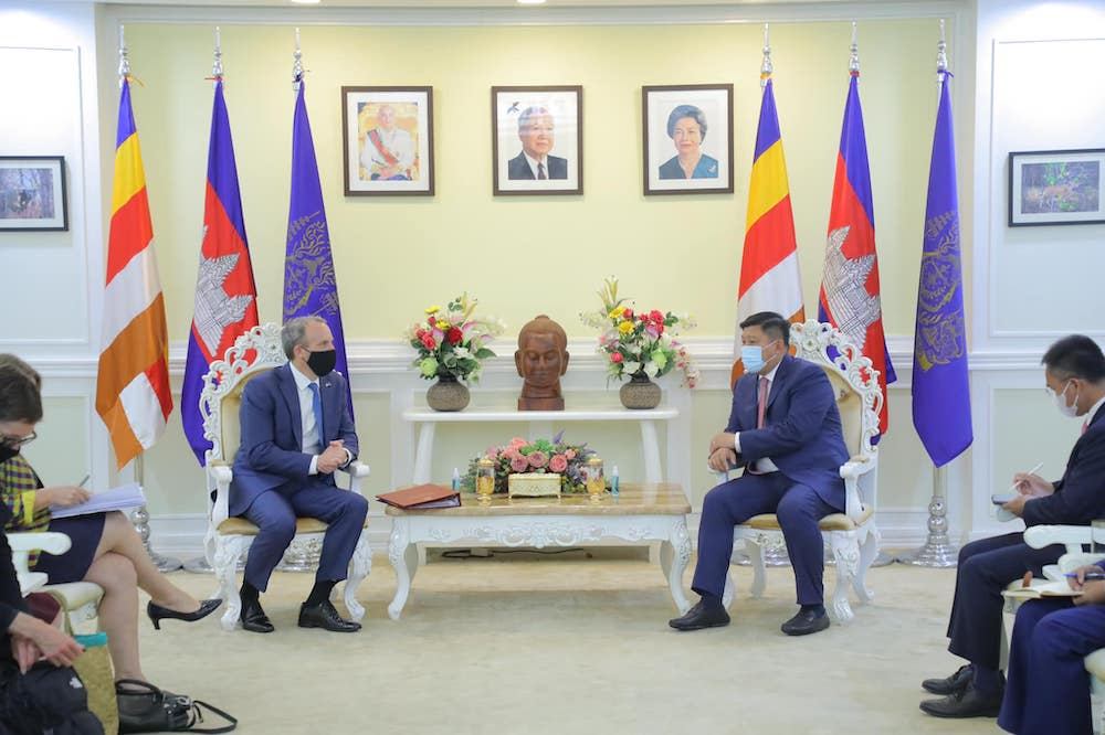 Cambodia, UK Emphasise Good Cooperation on Environment and Climate Change