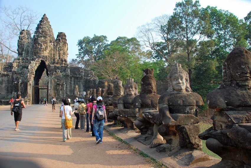 Over 100k International Tourists Visit Cambodia in S1